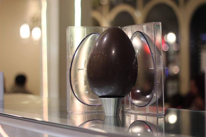 Arriba chocolate egg